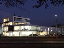 LUXOR LICHT verlicht VOLVO van Roosmalen Veldhoven
